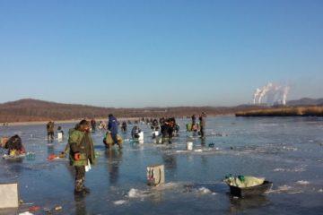 Отчёт о рыбалке на Майхэ зимой. Навага прёт!