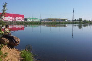 Пруд напротив Авиаполис Янковский